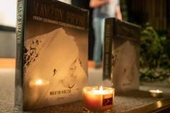 Zapálili jsme i dvě svíčky za nedávno zesnulé legendární československé horolezce Bohouše Svatoše a Vlastíka Šmídu.