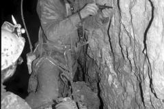 Explorace dna, pokus o prohloubení jeskyně
