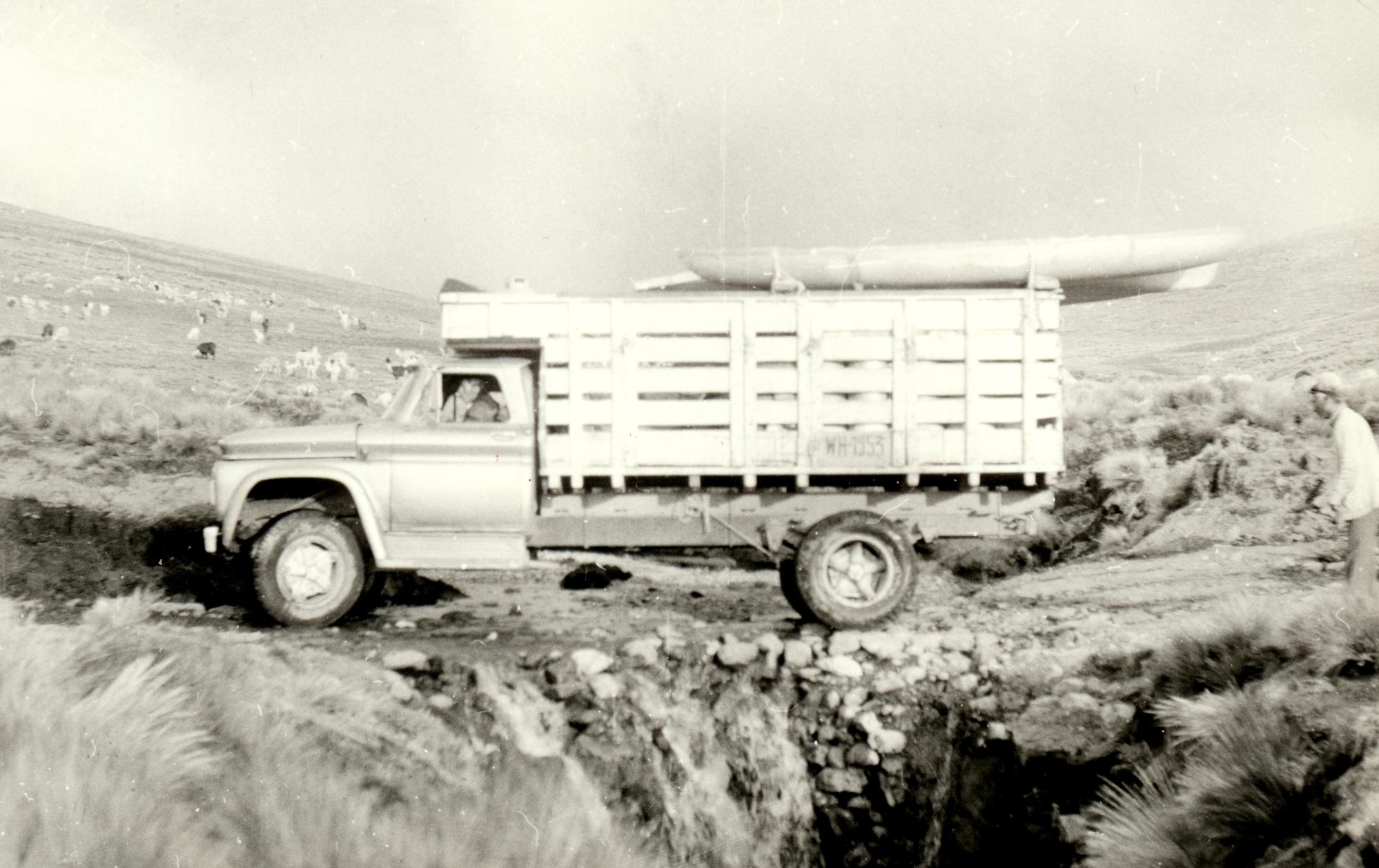 Bílý kanár, auto, které vozilo naše vodáky ze základního tábora k řece
