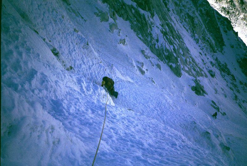Gabo během překonávání ledového trychtýře pod velkým ledovým polem