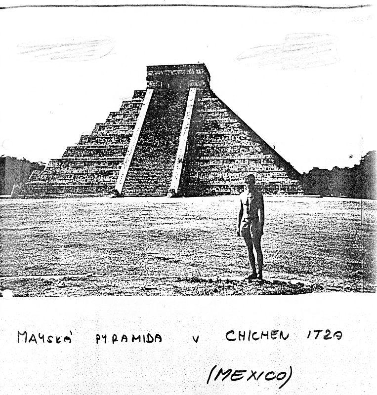 Mayská pyramida v Chichén Itzá (Mexico)